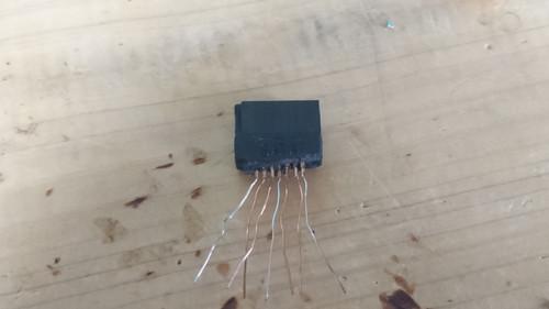 SATAケーブルを分解した時コネクター